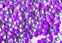 Kovová ozdoba na nechty - Neon lila square 3mm