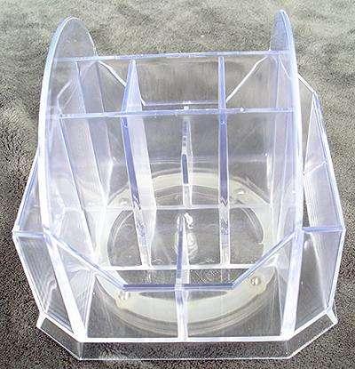 otacaci plastovy stojan na nastroje pilniky stetce a rozne pomocky