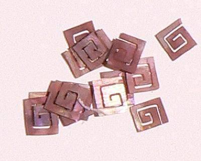 Mušle ornamenty kocky - bordovohnedé 10