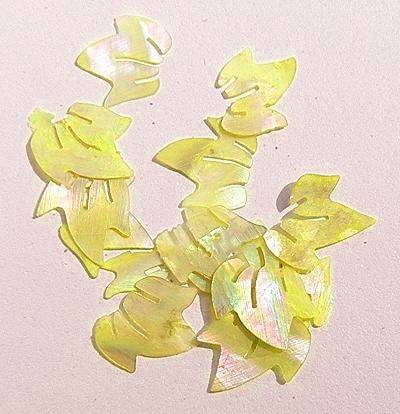 Mušle ornamenty lístočky - žlté 12