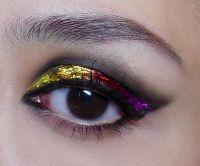použitie lepidla na make up