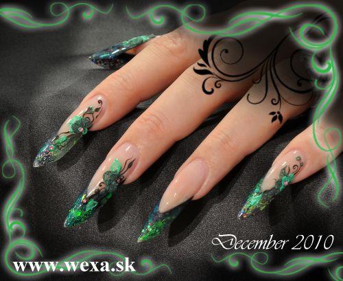 Zelené akrylové EDGE nechty