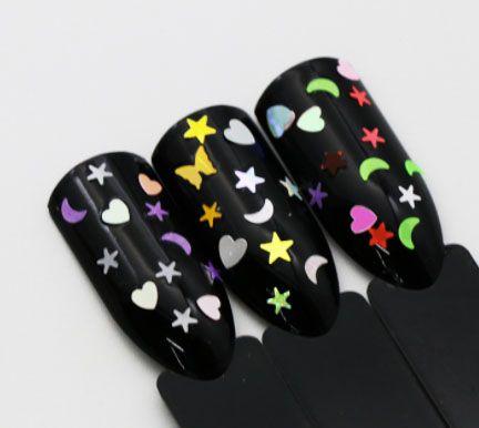 Ozdoby na gélové nechty - mesiačiky